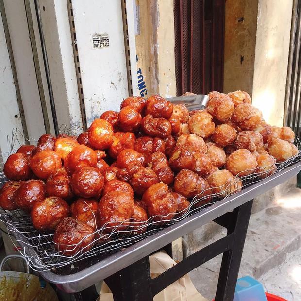Thấy mà tức: nửa đêm đói, thấy món bánh ngon ngất ngây thèm quá nhưng lật tung Hà Nội cũng không mua nổi - Ảnh 4.