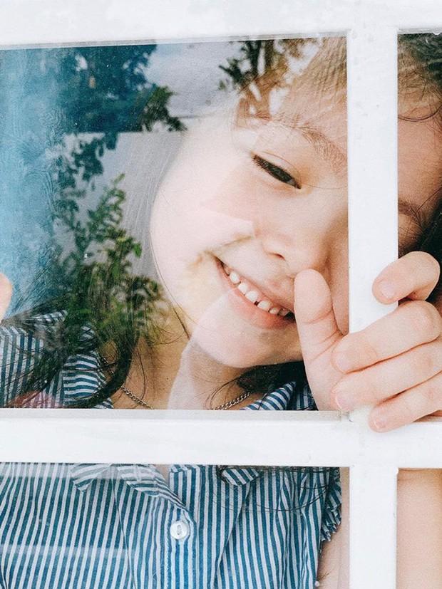 Tan chảy trước biểu cảm đáng yêu 2 nhóc tỳ nhà Elly Trần: Candie đã lớn trông thấy, ngày càng ra dáng tiểu mỹ nhân! - Ảnh 5.