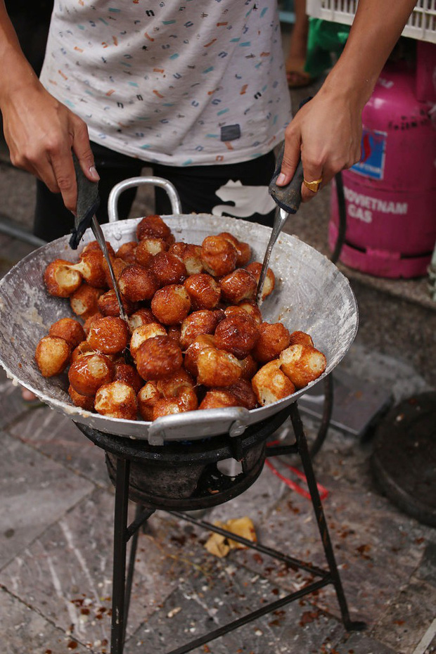 Thấy mà tức: nửa đêm đói, thấy món bánh ngon ngất ngây thèm quá nhưng lật tung Hà Nội cũng không mua nổi - Ảnh 3.