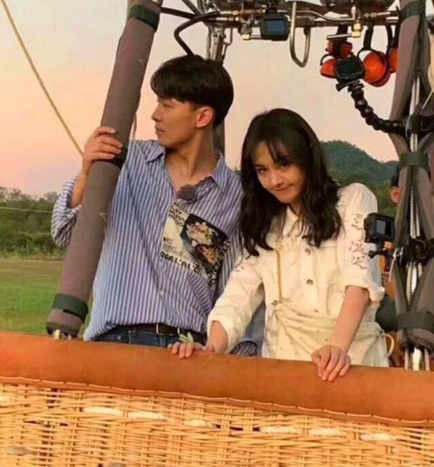 Rộ hình ảnh Trịnh Sảng được bạn trai CEO rởm cầu hôn bằng khinh khí cầu và bóng bay siêu lãng mạn - Ảnh 2.