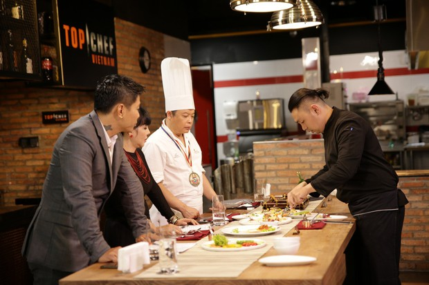 Top Chef Vietnam: Thí sinh khiến giám khảo Jack Lee phải nhả đồ ăn ra sau khi nếm - Ảnh 7.
