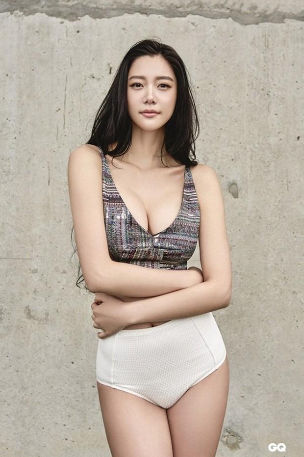 Bức ảnh Xa Thi Mạn lép vế toàn tập vì người đẹp ngực khủng bất ngờ hot trở lại: Hóa ra là Đệ nhất mỹ nhân châu Á - Ảnh 13.