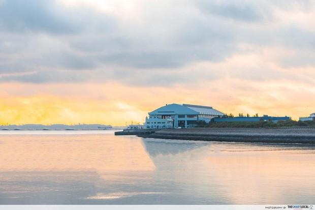 Không thể tin nổi: Bãi rác trị giá 360 triệu USD trở thành… địa điểm du lịch hút khách ở Singapore, phải đặt trước 4 tháng mới đến lượt - Ảnh 6.