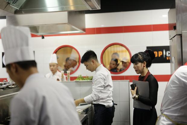 Top Chef Vietnam: Thí sinh khiến giám khảo Jack Lee phải nhả đồ ăn ra sau khi nếm - Ảnh 3.