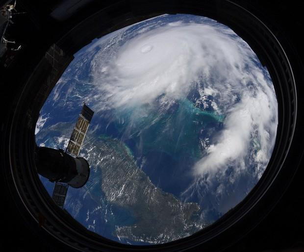 NASA công bố những hình ảnh khủng khiếp về Dorian, siêu bão lớn thứ 2 trong lịch sử - Ảnh 3.