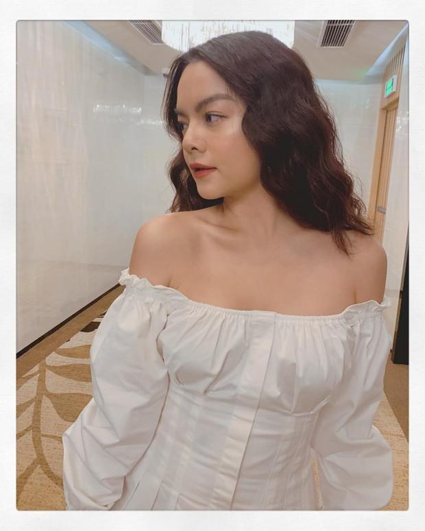 Phạm Quỳnh Anh phô diễn bờ vai cực phẩm, Yến Nhi lại cho thấy tài mix&match siêu đỉnh khi diện chung mẫu váy - Ảnh 2.