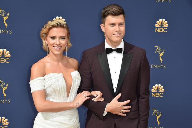 Sau 2 lần hôn nhân đổ vỡ, góa phụ đen Scarlett Johansson sắp sửa tổ chức đám cưới lần thứ 3 với bạn trai kém tuổi? - Ảnh 2.