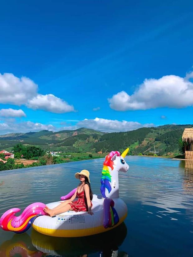 Địa điểm check in mới cực hot ở Đà Lạt: đi lại trên mặt nước như trong phim kiếm hiệp mà chẳng cần app chỉnh ảnh hay kỹ xảo gì - Ảnh 6.