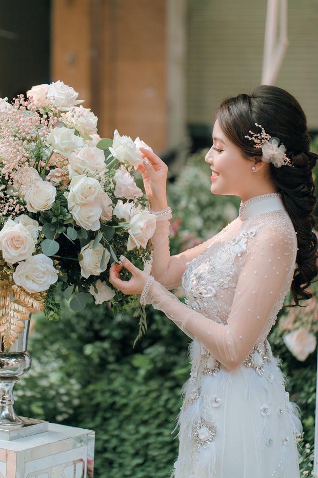 Soi nhan sắc 3 cô dâu sắp theo chàng về dinh: Mie Nguyễn như công chúa bước ra từ cổ tích, nữ giảng viên Hà My lại sexy hết nấc - Ảnh 10.