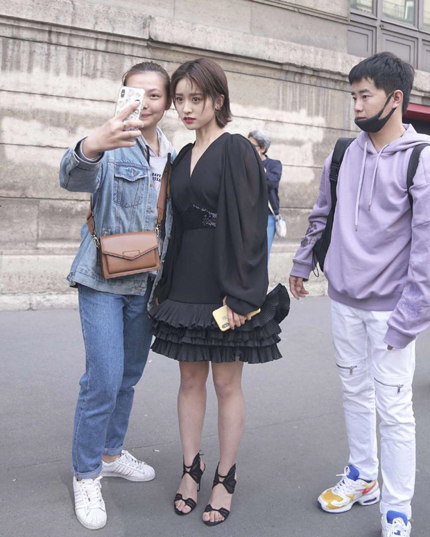 Dự Paris Fashion Week, Trịnh Sảng – Thẩm Nguyệt cùng gây thất vọng: người héo hon xơ xác, người chọn sai đồ tự tặng cho mình vài kg - Ảnh 7.