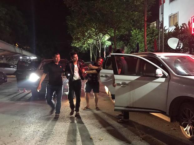 Nóng: 2 nghi phạm sát hại nam sinh chạy Grab đã bị di lý về đến Hà Nội, một kẻ cho biết rất ân hận về hành vi của mình - Ảnh 1.