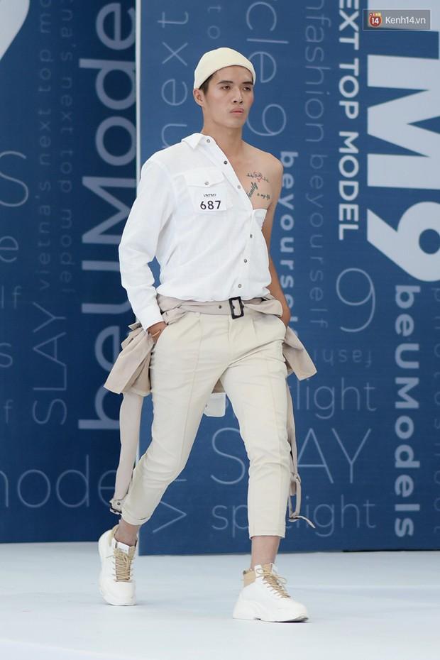 Next Top Model: Thí sinh băng bó, trùm đầu, tặng nước mắm cho Mâu Thủy để... bớt nhạt! - Ảnh 10.