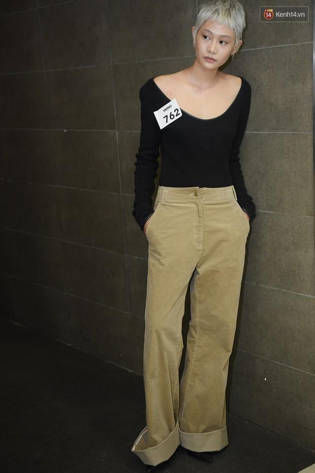 Vietnams Next Top Model: Dàn chân dài trai xinh, gái đẹp nườm nượp tới casting tại Hà Nội - Ảnh 3.