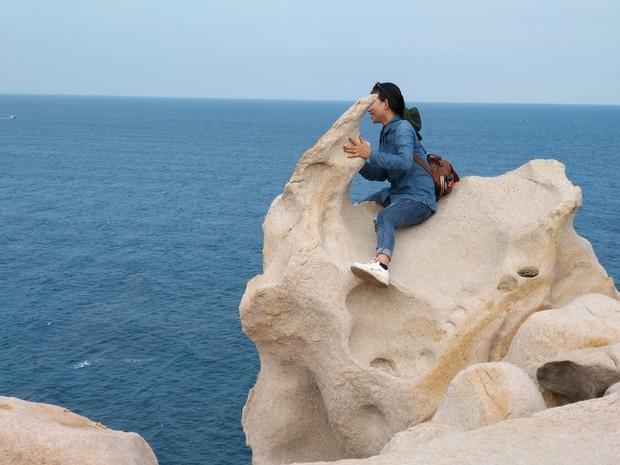 Ninh Thuận xuất hiện công viên đá với đủ loại hình thù kỳ lạ, nhìn ảnh check-in chỉ biết thốt lên: Trông nguy hiểm thế? - Ảnh 13.