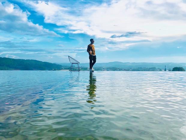 Địa điểm check in mới cực hot ở Đà Lạt: đi lại trên mặt nước như trong phim kiếm hiệp mà chẳng cần app chỉnh ảnh hay kỹ xảo gì - Ảnh 2.