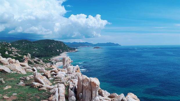 Ninh Thuận xuất hiện công viên đá với đủ loại hình thù kỳ lạ, nhìn ảnh check-in chỉ biết thốt lên: Trông nguy hiểm thế? - Ảnh 11.