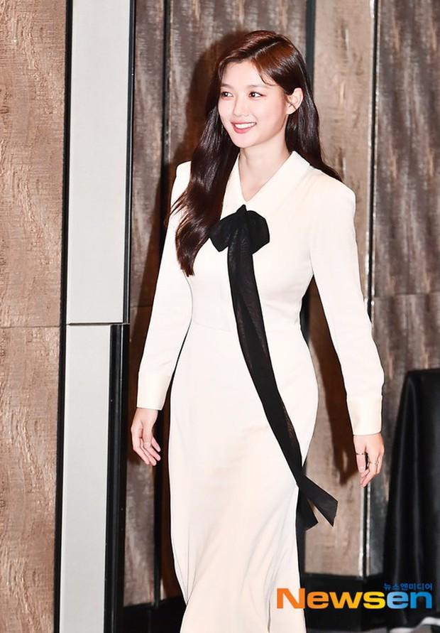 2 sao nhí Mặt trăng ôm mặt trời một thời lâu lắm mới lộ diện: Kim So Hyun lột xác sexy, lấn át Kim Yoo Jung? - Ảnh 2.