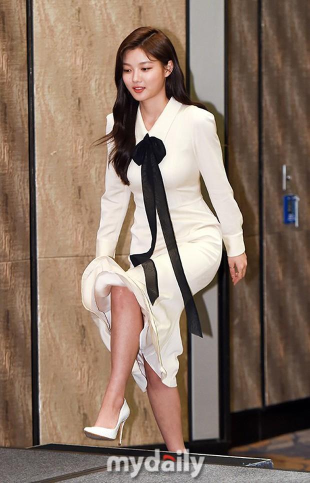 2 sao nhí Mặt trăng ôm mặt trời một thời lâu lắm mới lộ diện: Kim So Hyun lột xác sexy, lấn át Kim Yoo Jung? - Ảnh 1.