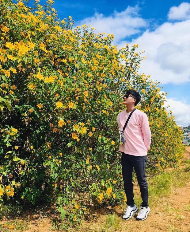"""Rực rỡ khắp newsfeed 9 cung đường săn hoa dã quỳ đẹp nhất Đà Lạt: Ơn giời, """"mùa vàng"""" của hội sống ảo đây rồi! - Ảnh 7."""