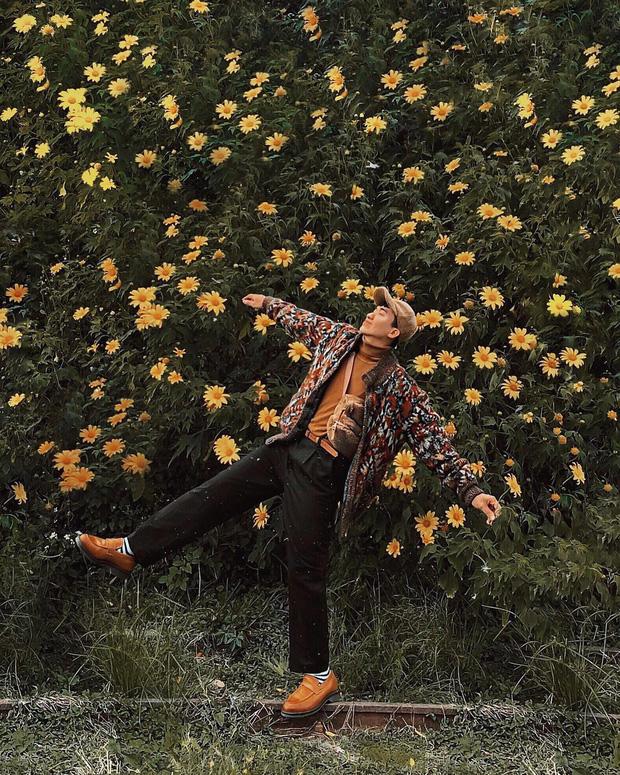 """Rực rỡ khắp newsfeed 9 cung đường săn hoa dã quỳ đẹp nhất Đà Lạt: Ơn giời, """"mùa vàng"""" của hội sống ảo đây rồi! - Ảnh 1."""