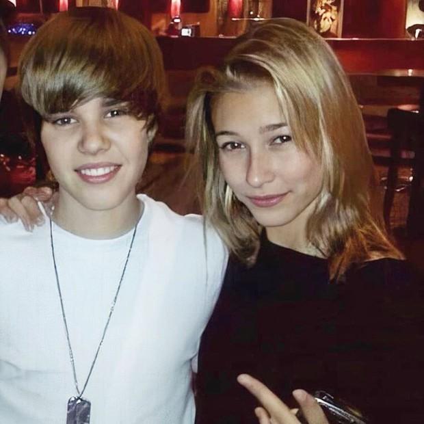 1 thập kỷ đã biến Hailey Baldwin từ fan cuồng ship Jelena thành cô dâu nắm tay Justin Bieber vào lễ đường như thế nào? - Ảnh 4.