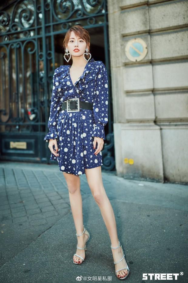 Trương Gia Nghê - nàng thơ châu Á tại Paris Fashion Week: Bánh bèo hay cool ngầu đều toát lên khí chất lu mờ vạn vật - Ảnh 11.