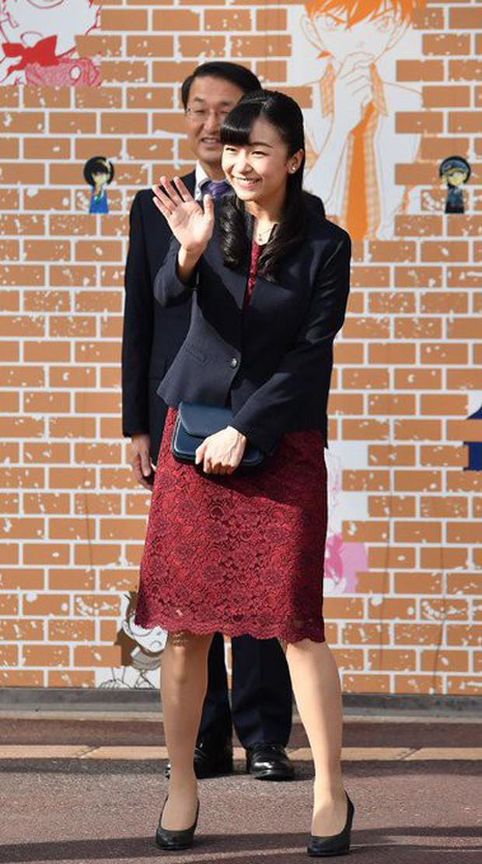 Công chúa xinh đẹp nhất Nhật Bản bị chê nhan sắc tụt dốc không phanh trong sự kiện mới nhất vì sai lầm khó sửa - Ảnh 3.