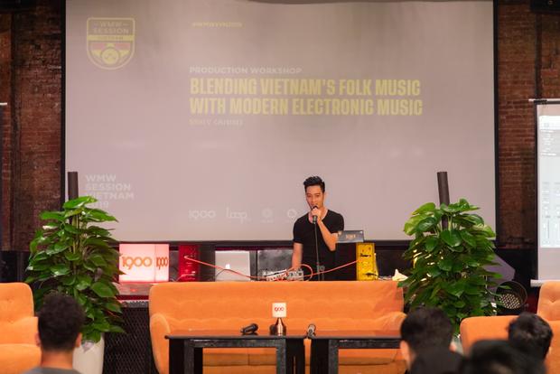 SlimV chẳng ngại lộ chiêu, chia sẻ hết kiến thức và giới thiệu luôn dự án mới sẽ kết hợp nhạc dân tộc Việt Nam vào nhạc điện tử tại WMW 2019 - Ảnh 1.