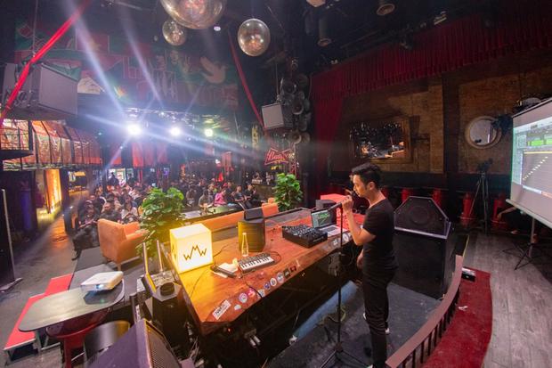 SlimV chẳng ngại lộ chiêu, chia sẻ hết kiến thức và giới thiệu luôn dự án mới sẽ kết hợp nhạc dân tộc Việt Nam vào nhạc điện tử tại WMW 2019 - Ảnh 2.