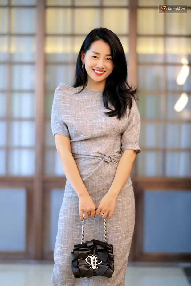 Giữa thảm đỏ IT 2 bóng tràn bờ đê, chị em Chi Pu - Han Sara trưng mặt lạnh hơn người yêu cũ của bạn - Ảnh 9.