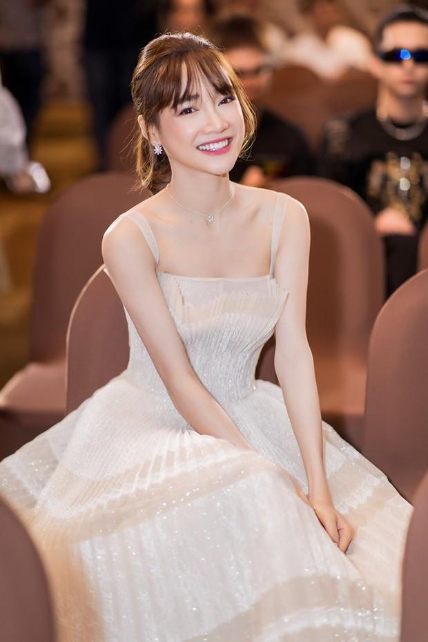 Nhã Phương vừa đổi kiểu tóc, dân tình đã thi nhau trầm trồ: Giống Song Hye Kyo quá - Ảnh 1.