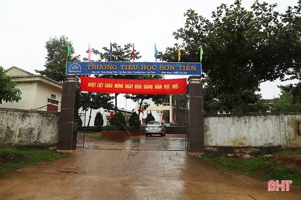 173 trường học ở Hà Tĩnh dừng khai giảng năm học mới - Ảnh 2.