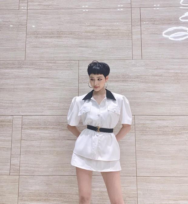 Hiền Hồ đăng ảnh xinh xinh mà nhìn cứ sai sai, Kelbin Lei chỉ điểm ngay lỗi thời trang chí mạng - Ảnh 1.