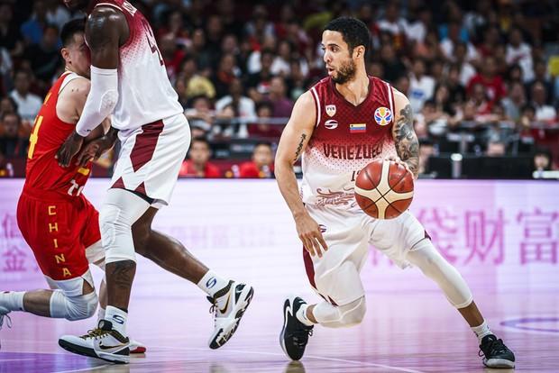 Thất thủ trước Venezuela, chủ nhà Trung Quốc tức tưởi xuống vòng đấu phân hạng FIBA World Cup 2019 - Ảnh 2.