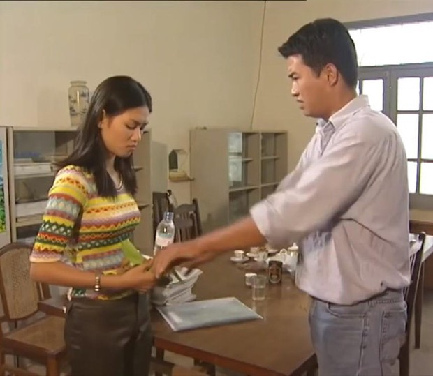 4 cô nàng thảo mai thần sầu của phim Việt: Chị Nguyệt Bầu Trời cũng chẳng bằng cô Nguyệt Nhân Viên Gương Mẫu - Ảnh 4.