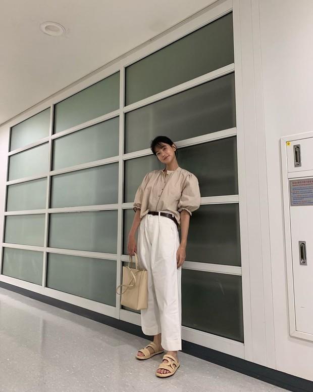 Tiểu tam tin đồn đòi kiện Goo Hye Sun: Thường xuyên lên đồ như nữ sinh dù đã 32 tuổi - Ảnh 11.