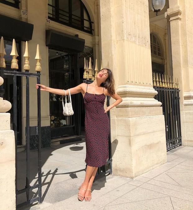 Được phụ nữ Pháp hết mực trọng dụng, 4 kiểu váy xinh mất hồn sau sẽ khiến bạn muốn tậu bằng hết cho tủ đồ - Ảnh 4.