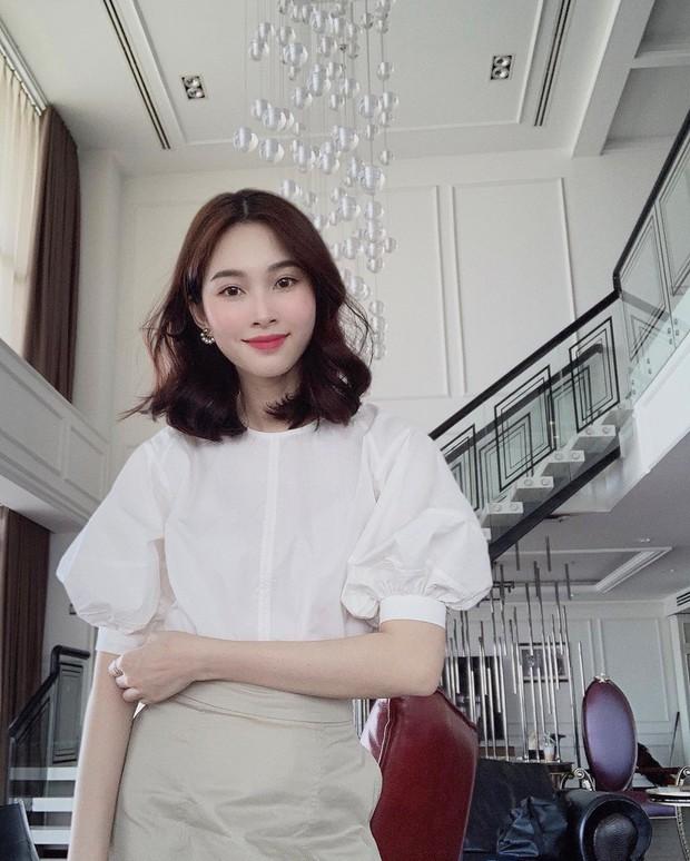 Nàng công sở không bao giờ lo mặc xấu nếu biết 12 công thức diện áo sơ mi trắng tuyệt xinh từ các mỹ nhân Việt - Ảnh 5.