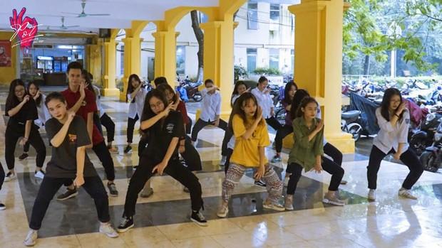 Bật mí bí mật của 3 ngôi trường nổi tiếng ở Hà Nội: Có 1 sở thú ngay trong trường, học hành bị stress quá thì rủ nhau trốn lên cửa trời - Ảnh 8.