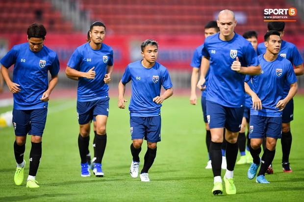 Chanathip Songkrasin: Gã lùn từng cười cợt tuyển Việt Nam nhưng cũng chính là nhân tố khiến thầy Park lo lắng - Ảnh 3.
