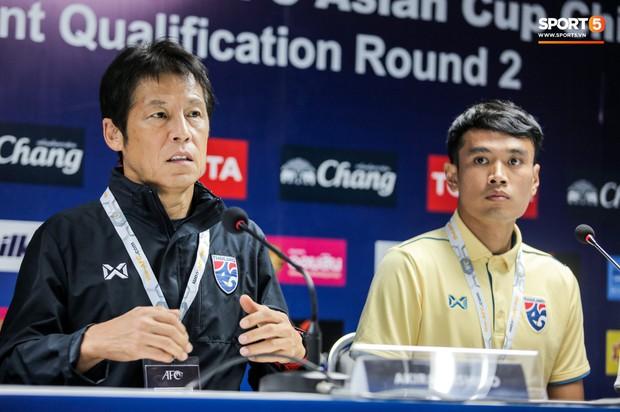HLV tuyển Thái Lan gây sốc: Gạt thủ môn bắt ở Bỉ, chọn đồng đội cũ của Xuân Trường làm đội trưởng - Ảnh 1.