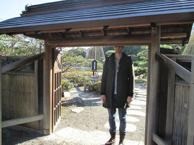 """Cảnh báo: Cao quá đôi khi cũng không tốt đâu, nhất là khi đi du lịch Nhật Bản thì """"sứt đầu mẻ trán"""" như chơi - Ảnh 11."""