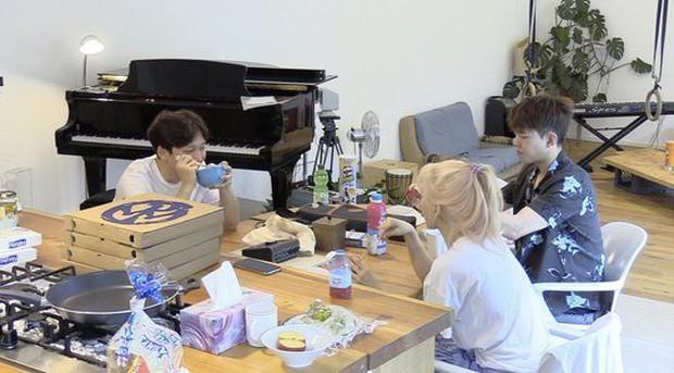 Taeyeon (SNSD) tiết lộ bị giãn dây chằng đầu gối do nhảy trên giày cao gót suốt hơn 10 năm - Ảnh 1.