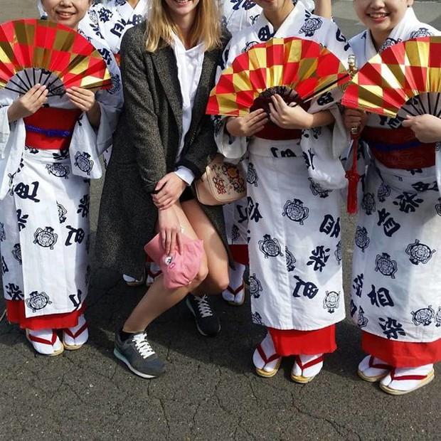 """Cảnh báo: Cao quá đôi khi cũng không tốt đâu, nhất là khi đi du lịch Nhật Bản thì """"sứt đầu mẻ trán"""" như chơi - Ảnh 5."""