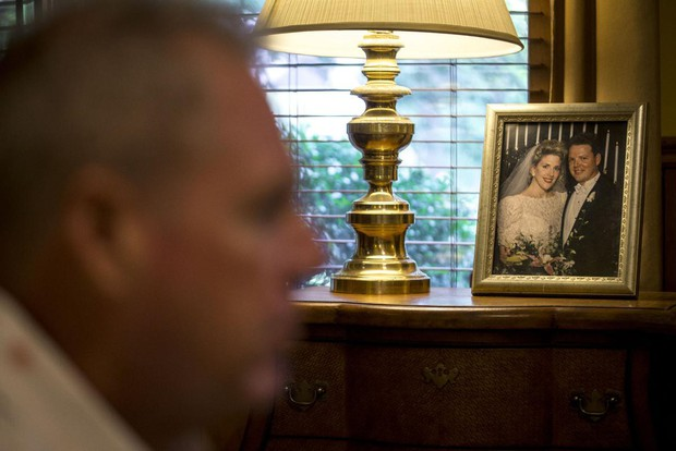 Chủ tịch sáng lập tổ chức chữa đồng tính bất ngờ thừa nhận mình là người đồng tính - Ảnh 2.
