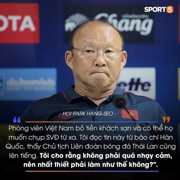 Báo Thái Lan mô tả thầy Park bằng từ này sau buổi họp báo căng thẳng - Ảnh 2.