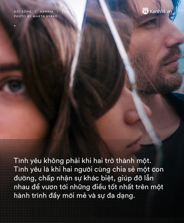 Những điều khiến chúng ta thường lầm tưởng trong tình yêu: Nó không làm chúng ta hòa làm một, mà khiến hai người đứng cạnh nhau hạnh phúc - Ảnh 2.