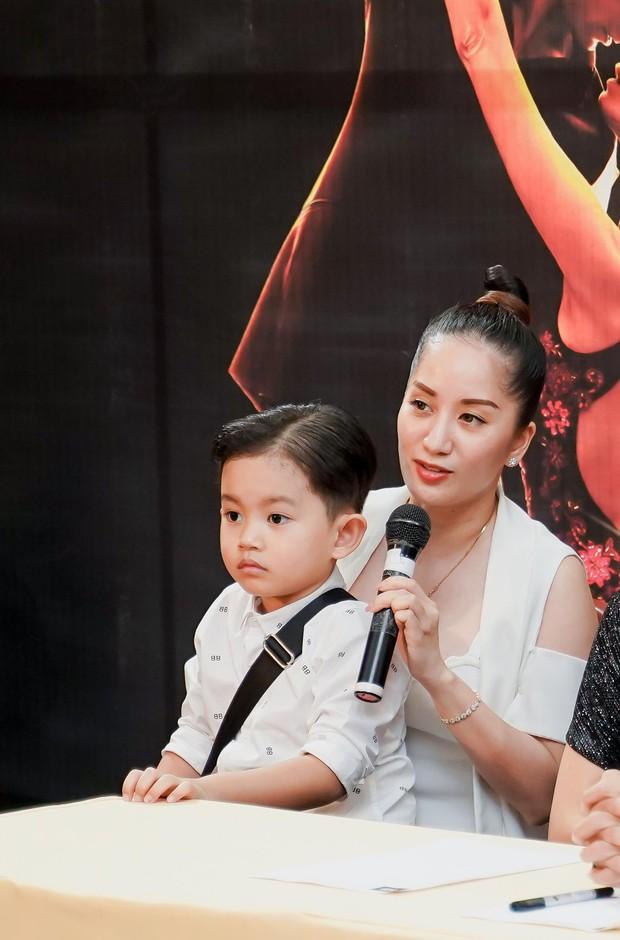 Khánh Thi khoe con trai 4 tuổi đầy chững chạc trên ghế nóng show thực tế mới - Ảnh 4.