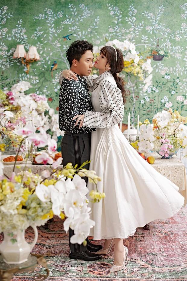 Trấn Thành và Hari Won tung bộ ảnh tình tứ như thuở mới yêu, ngày càng hạnh phúc sau gần 3 năm kết hôn - Ảnh 8.