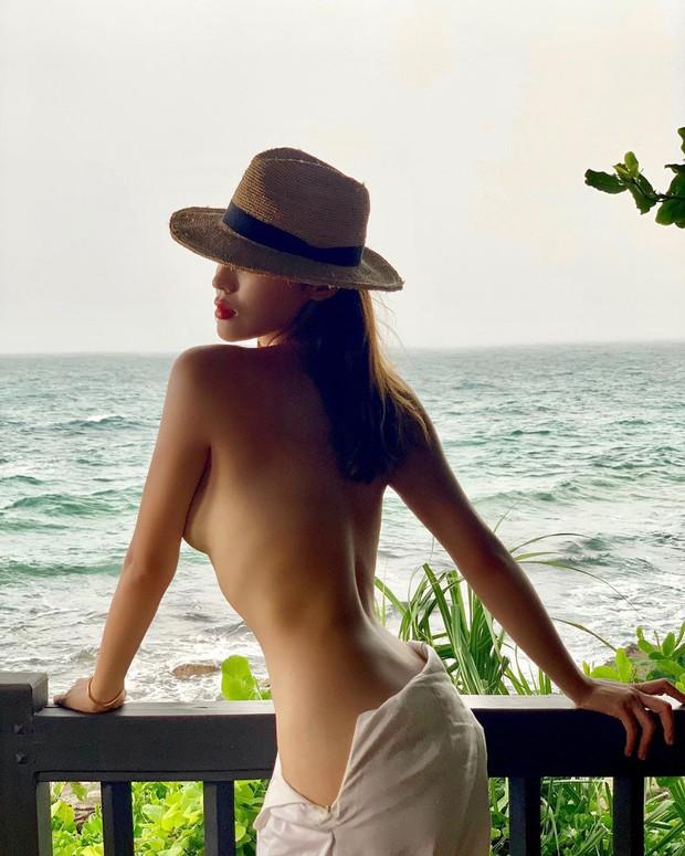 Hai chuyến du lịch bão táp nhất của Vbiz 2019 gọi tên Kỳ Duyên, Minh Triệu và Ngọc Trinh: Cảm hứng nude cứ phải gọi là dâng trào luôn! - Ảnh 4.